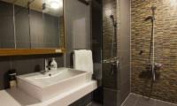 Koharu Resort Hotel & Suites Bathroom with Shower | Upper Wadano