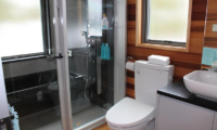 Wagaya Chalet Bathroom with Shower | Happo Village