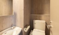 Midtown Niseko Bathroom | East Hirafu