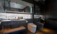 Odile En-Suite Bathroom | West Hirafu