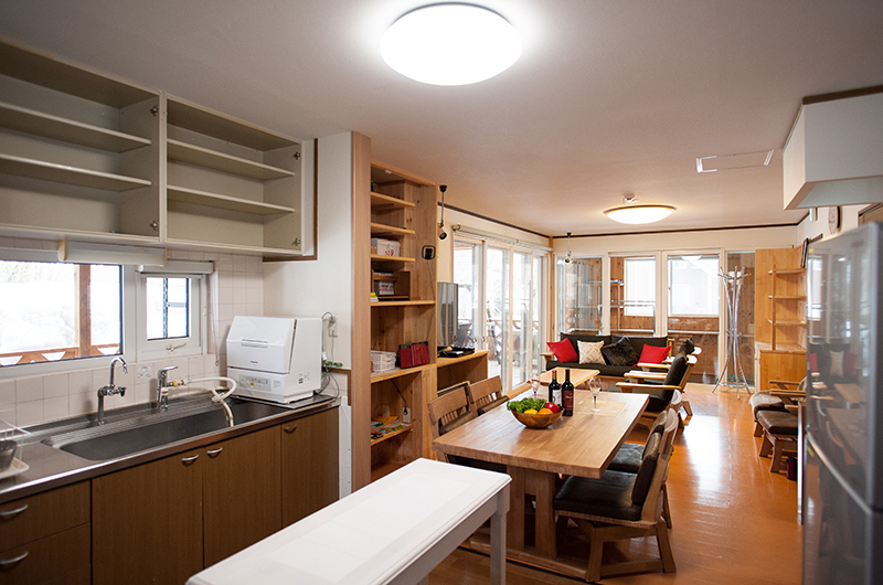ShunRokuAn Living, Kitchen and Dining Area | Echoland