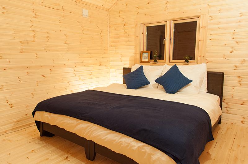 Villa Antelope Hakuba Bedroom with Wooden Floor | Echoland