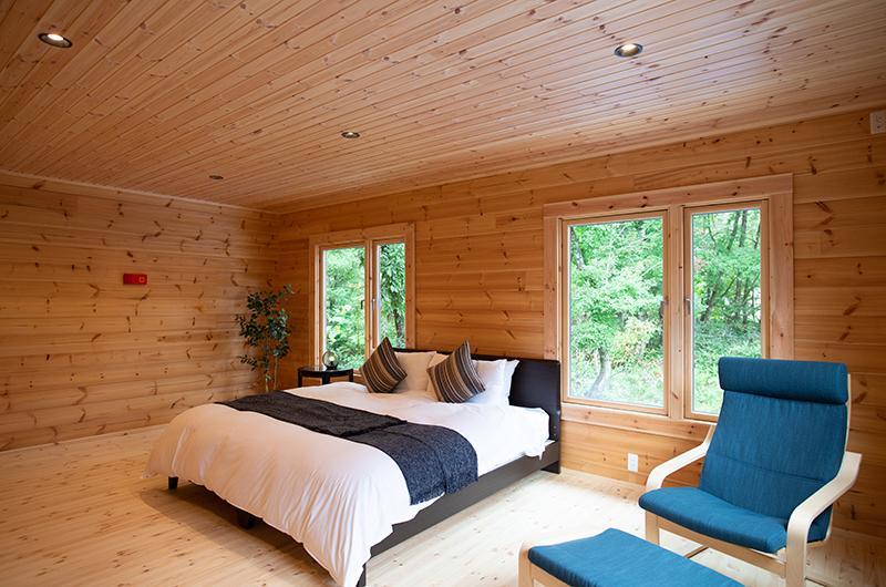 Villa Antelope Hakuba II Bedroom with Wooden Floor | Echoland