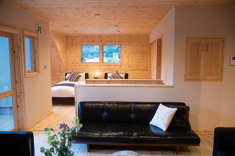 Villa Antelope Hakuba II Twin Bedroom with Seating Area | Echoland