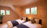 Villa Antelope Hakuba II Twin Bedroom with Wooden Floor | Echoland