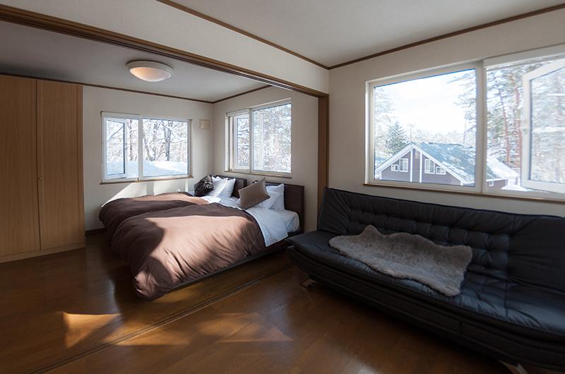 ShunRokuAn Twin Bedroom with Sofa | Echoland