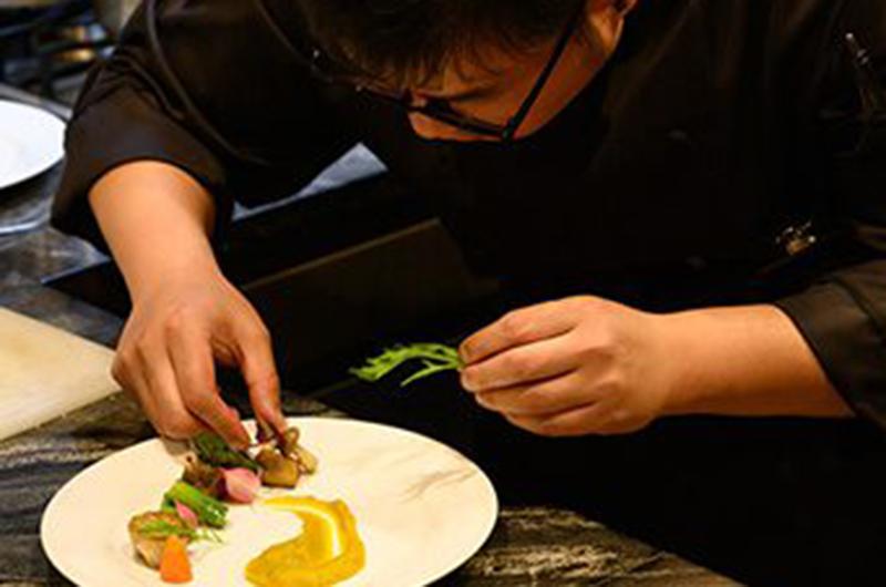 niseko-restaurants-hakusteak-02
