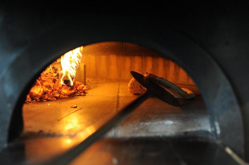niseko-restaurants-pizza-del-sole-01